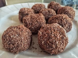 Keto Avocado Truffles