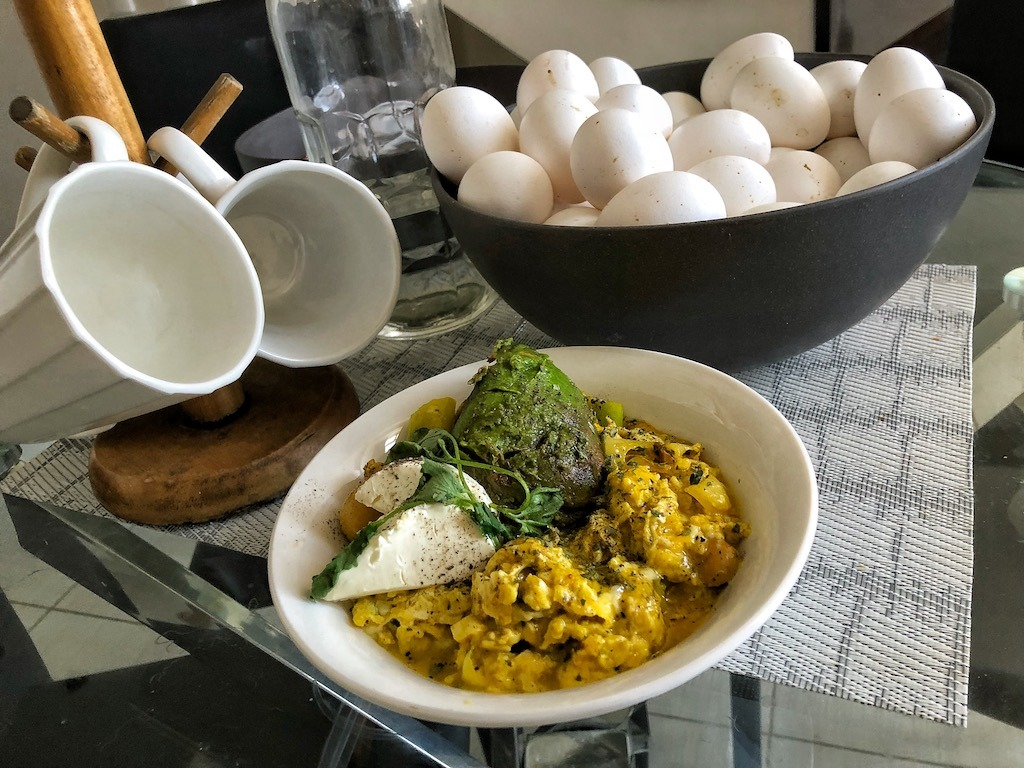 Healthy Keto Vegetarian Scrambled Eggs With Avocado And Cream Cheese Creamy