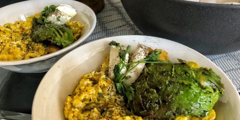 Healthy Keto Vegetarian Scrambled Eggs With Avocado And Cream Cheese