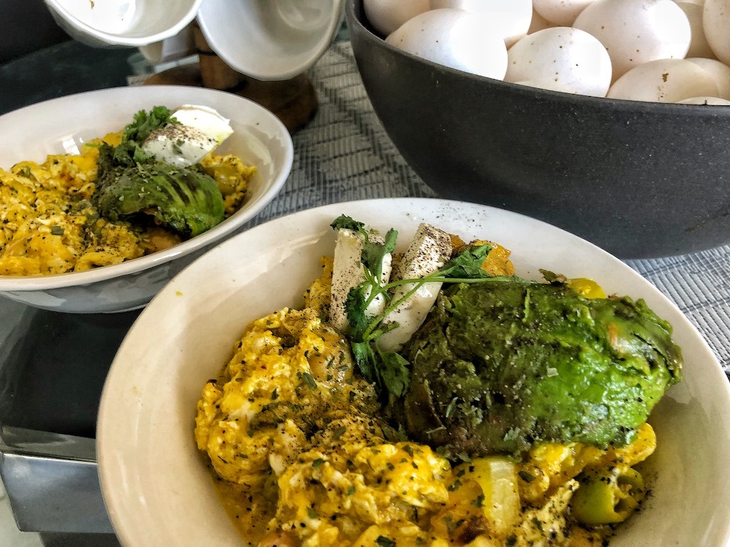 Healthy Keto Vegetarian Scrambled Eggs With Avocado And Cream Cheese Dinner