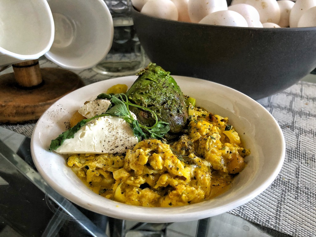 Healthy Keto Vegetarian Scrambled Eggs With Avocado And Cream Cheese Onion