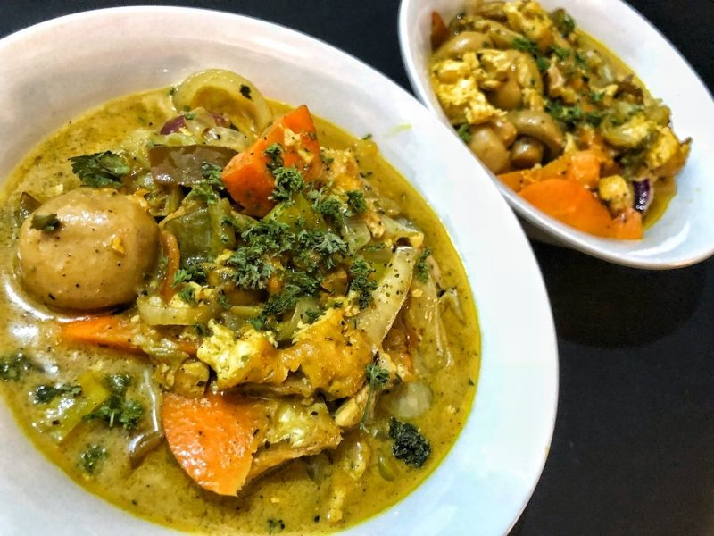 Healthy Keto Low Carb Curry Salmon Belly Soup With Tofu