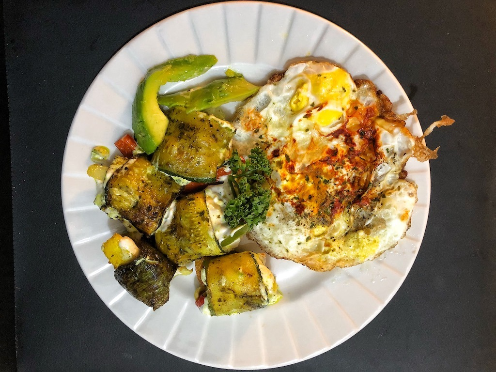 Keto Vegetarian Zucchini Rolls With Fried Eggs And Avocado