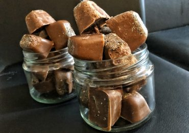 Keto Peanut Butter Chocolate Fat Bombs