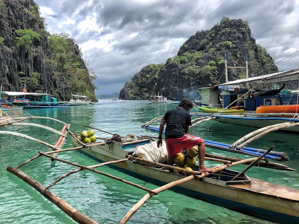 Things To Do in Coron While Raining Season – Photographic Account Kayangan Lake Filipino