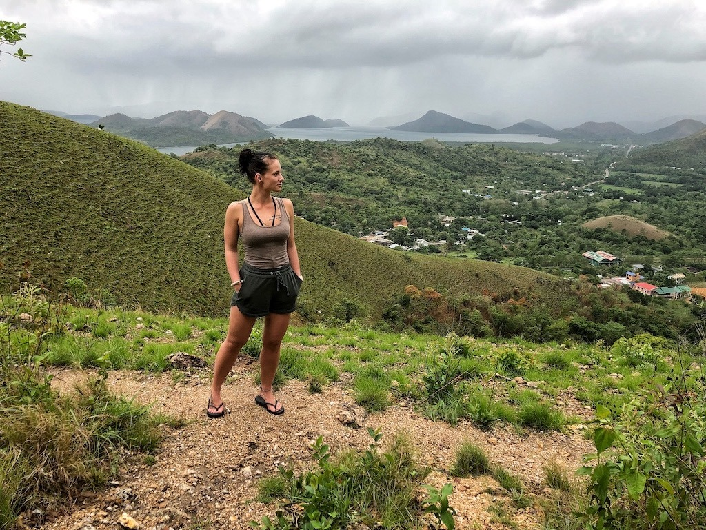Things To Do in Coron While Raining Season – Photographic Account Mt Tapyas Enjoying Moment