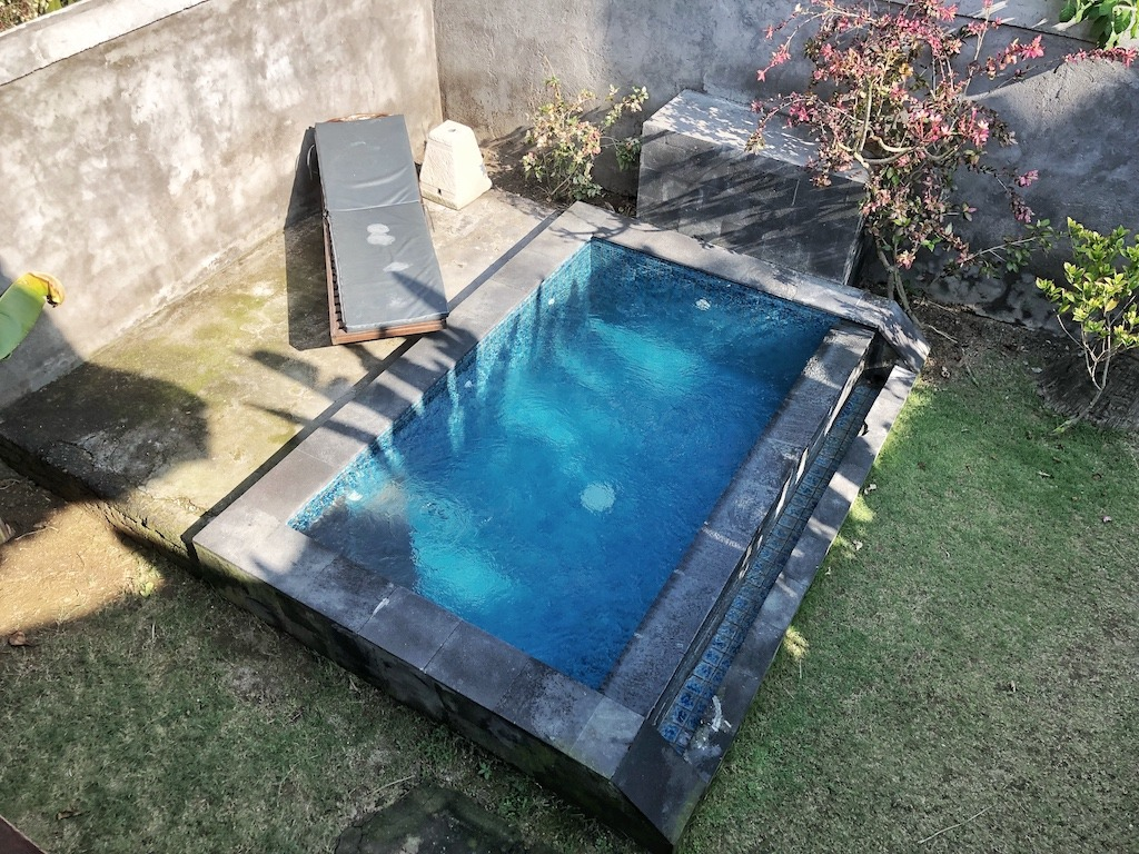Hostel Recommendation While Travelling to Nusa Lembongan – Sukanusa Luxury Huts Swimming Pool