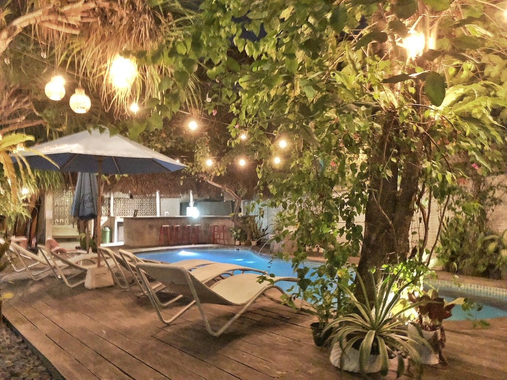 Hostel Recommendation While Travelling to Seminyak – Kosta Hostel By Night