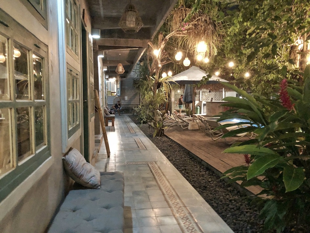 Hostel Recommendation While Travelling to Seminyak – Kosta Hostel Outside