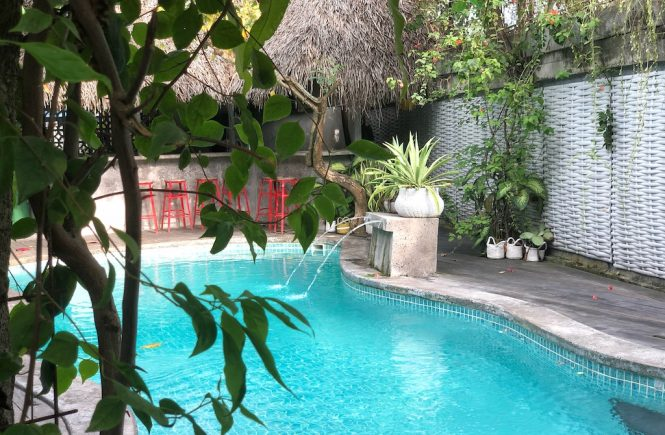 Hostel Recommendation While Travelling to Seminyak – Kosta Hostel Swimming Relax