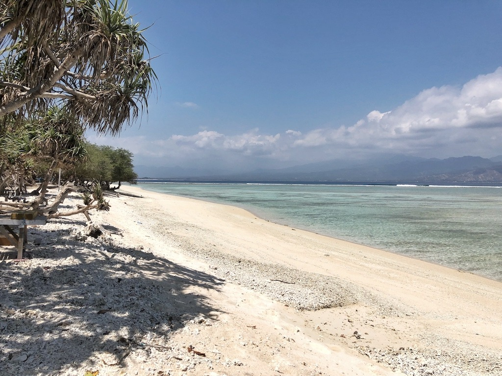 When Your World Is Shaking - Earthquake In Indonesia 2018 - One Day On Gili T After Shock