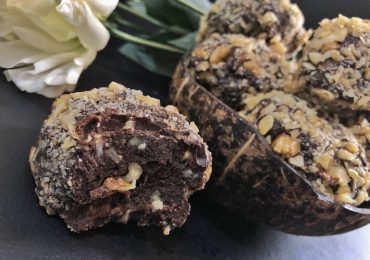 Homemade Ferrero Rocher – Healthy Keto Low Carb Sugar Free Hazelnut Balls