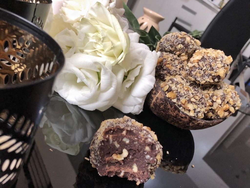Birthday Snack Homemade Ferrero Roche - Healthy Keto Fat Bombs Low Carb No Sugar Added