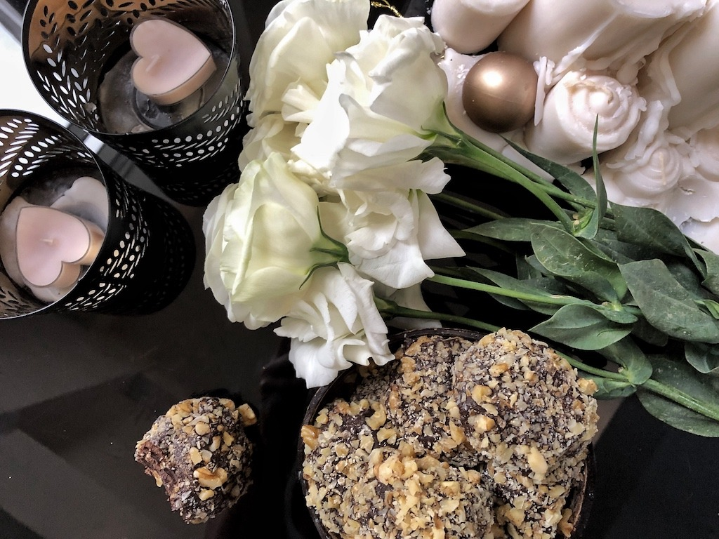 Homemade Ferrero Roche - Healthy Keto Fat Bombs Low Carb No Sugar Added Birthday