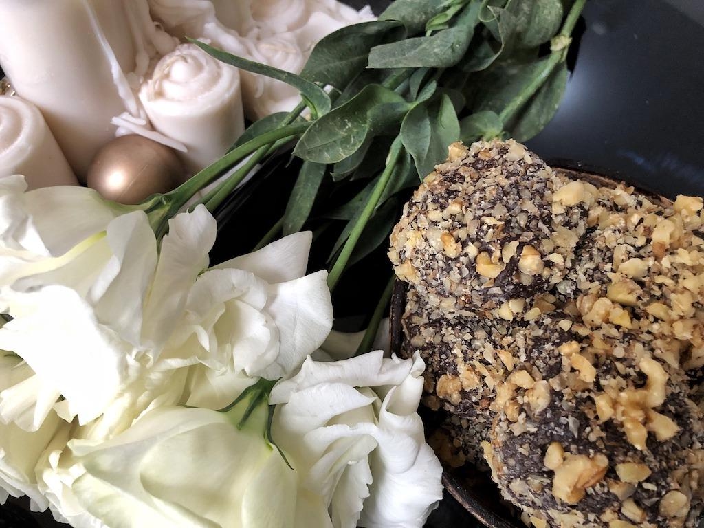 Homemade Ferrero Roche - Healthy Keto Fat Bombs Low Carb No Sugar Added Truffles