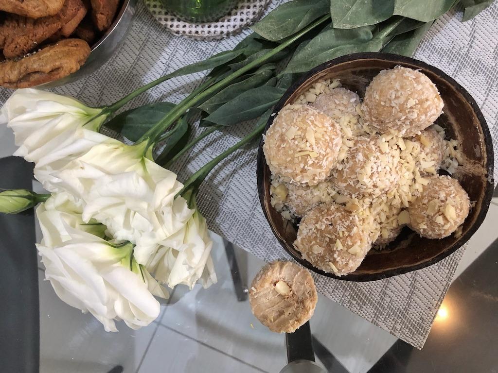 Homemade Raffaello - Healthy Keto Dessert Low Carb No Sugar Added