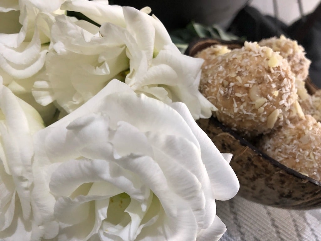 Homemade Raffaello - Healthy Keto Fat Bombs Low Carb No Sugar Added Birthday