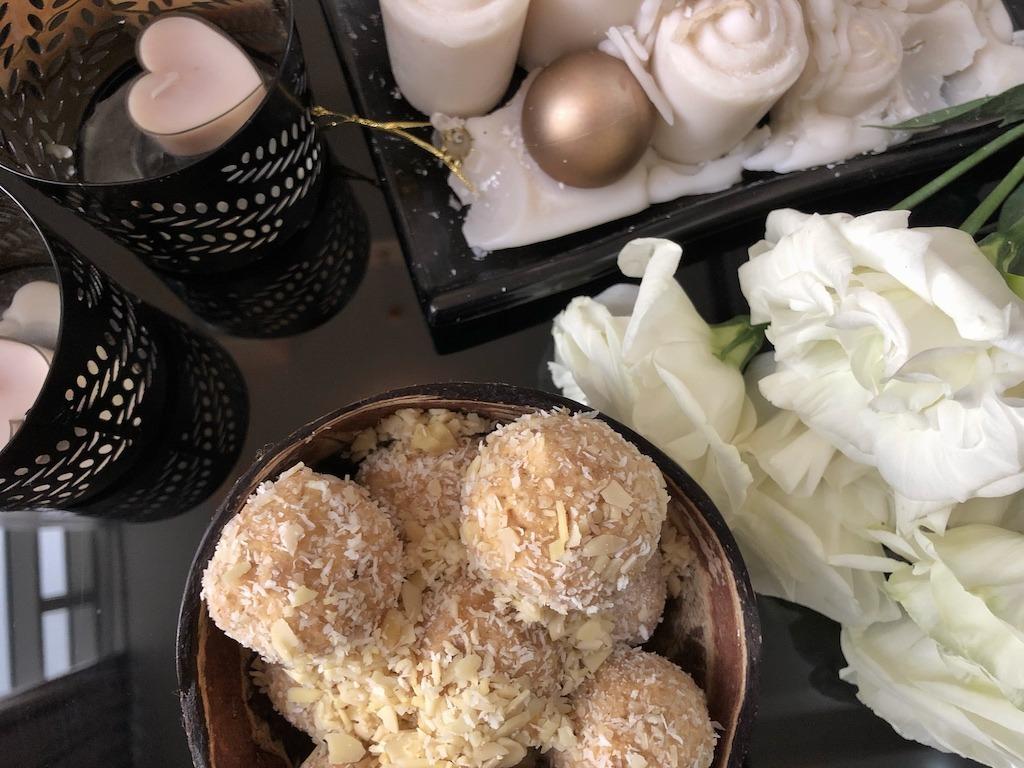 Homemade Raffaello - Healthy Keto Fat Bombs Low Carb No Sugar Added Cheap