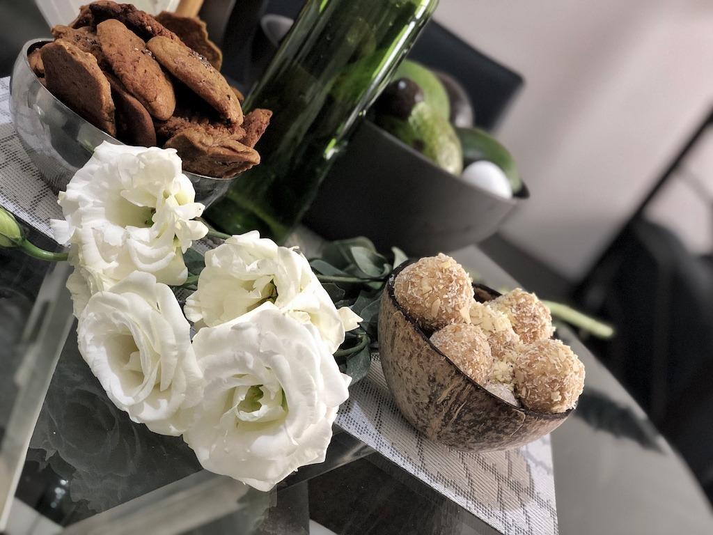 Homemade Raffaello - Healthy Keto Fat Bombs Low Carb No Sugar Added Decor