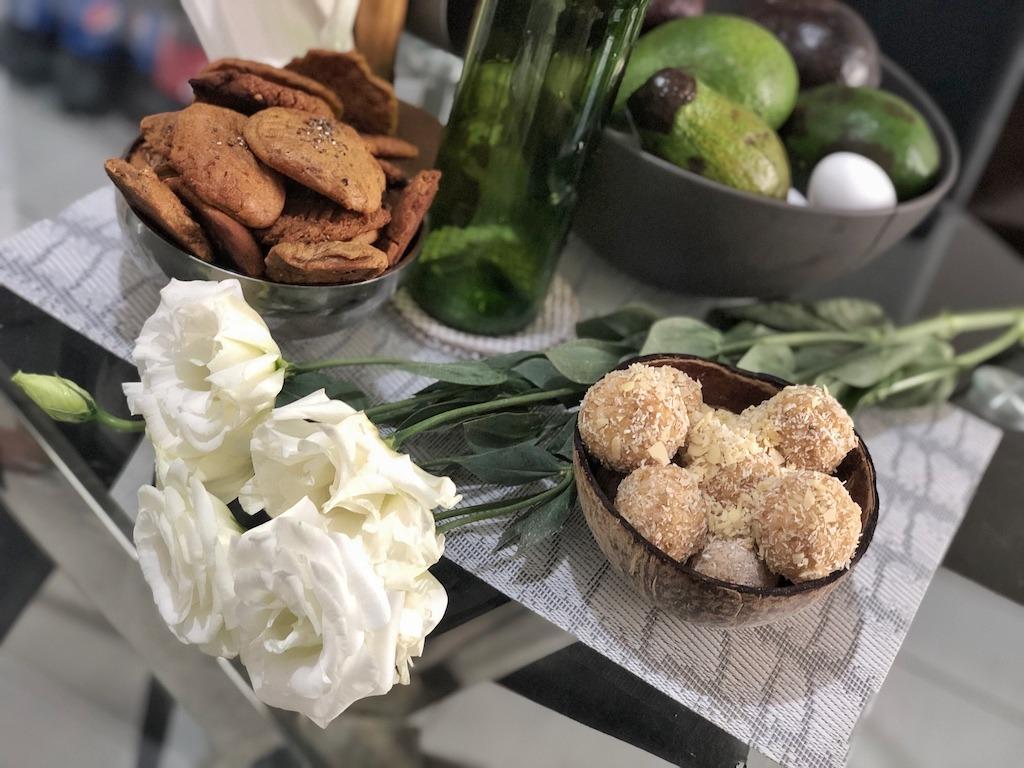 Homemade Raffaello - Healthy Keto Fat Bombs Low Carb No Sugar Added House Decor