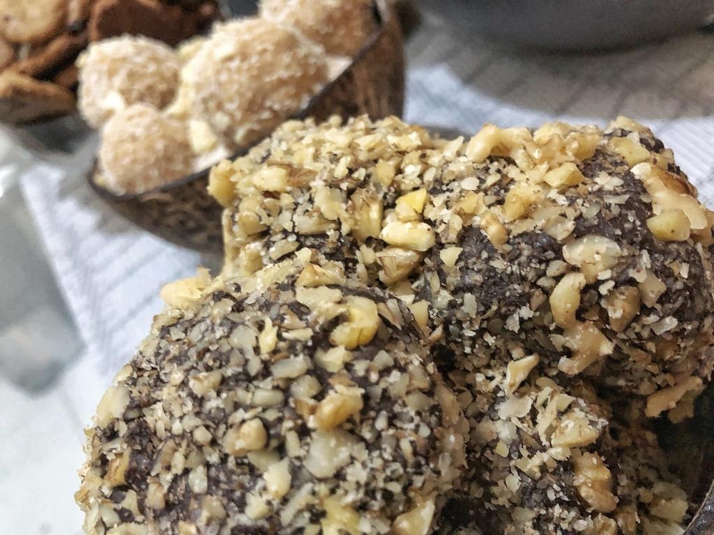 Original Homemade Ferrero Roche - Healthy Keto Fat Bombs Low Carb No Sugar Added
