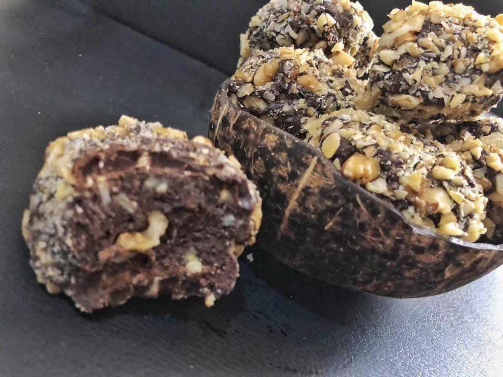 Party Recipe Homemade Ferrero Roche - Healthy Keto Fat Bombs Low Carb No Sugar Added
