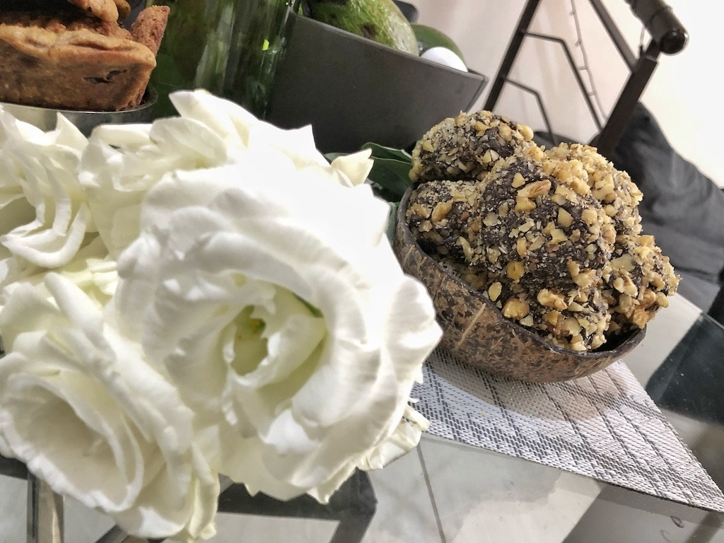 Perfect Recipe Homemade Ferrero Roche - Healthy Keto Fat Bombs Low Carb No Sugar Added