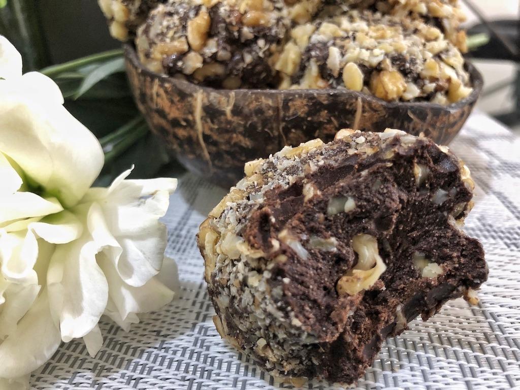 Truffle Homemade Ferrero Roche - Healthy Keto Fat Bombs Low Carb No Sugar Added