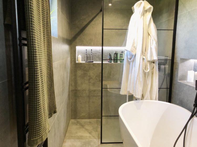 Bathroom Renovation Shower Cosmetics