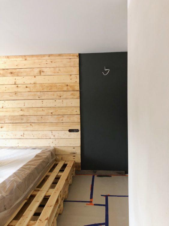 Grey Bedroom Decor - Interior Design