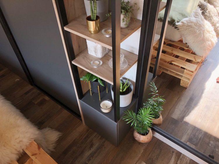 Interior Design Mirror Layout